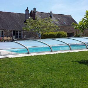 Abri bas de piscine télescopique pour ouvrir et fermer rapidement la piscine