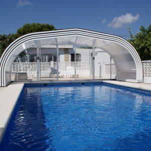 Abri haut de piscine télescopique avec raill de guidage