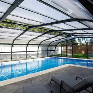 Abri de piscine haut avec trappe de ventilation
