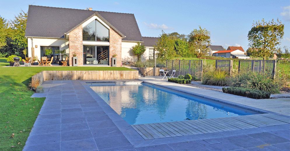 Piscine contemporaine → votre piscine rectangulaire dans le Nord