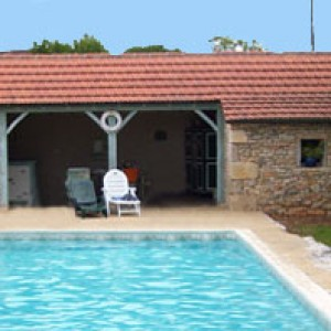 pool house pres de la piscine